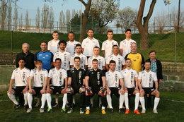 Die Kampfmannschaft des POST SV im April 2014!